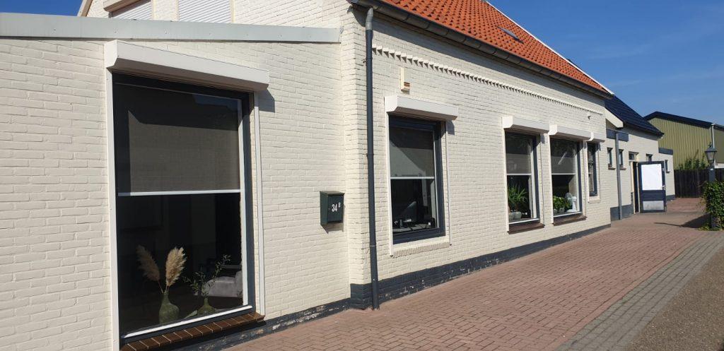 Op maat gemaakte rolluiken aan diverse verschillende soorten ramen van de woning | J.Meijering Montage Opheusden
